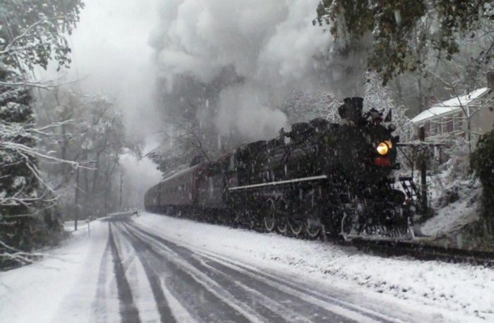 Take This Christmas Polar Express Train Ride In New Jersey