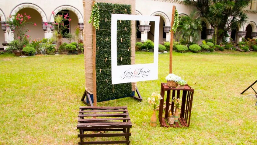 This Diy Chalkboard Wedding Photo Booth Is The Coolest