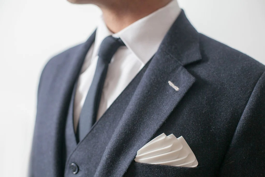 Hanky Structured Pocket Square And Comb Al Hamad Design