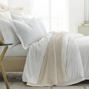 Boll   Branch       The World s Most Comfortable Sheets and Pillows Created with Sketch