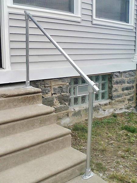 15 Customer Railing Examples For Concrete Steps Simplified Building | Aluminum Handrails For Concrete Steps | Garden | Residential | Vinyl | House Stone | Back Patio