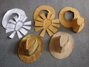 Ковбой картоны және қағаз шляпасы