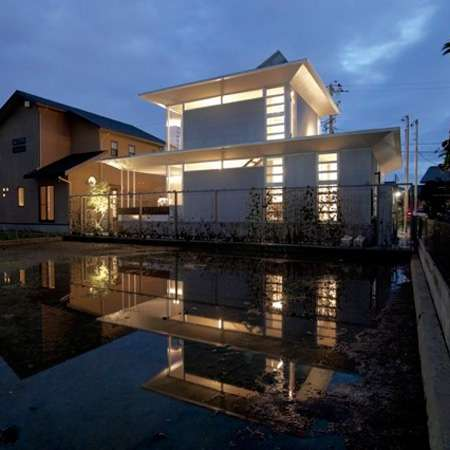 Piped Prefab Homes The A Ring House In Japan Uses