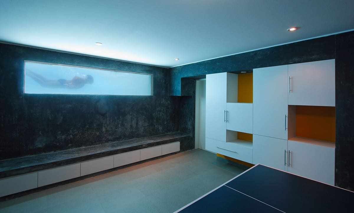 Glass Walled Swimming Pools 10 Amazing Designs