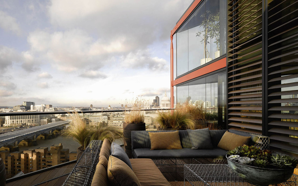 Fantastic London Penthouse Crowns A Luxury Complex