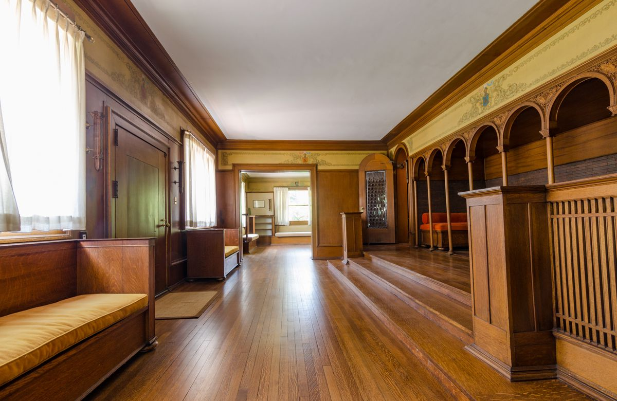 How Louis Sullivan s organic architecture inspired Frank Lloyd     The interior of the Winslow House prominently features arches and a grand  front door