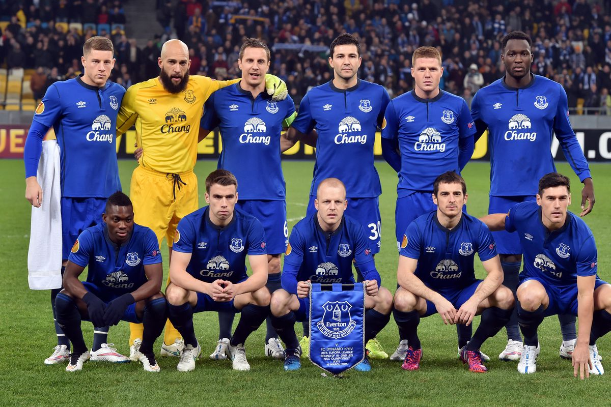 Everton s European dream still alive after Manchester United s EFL     Photo credit should read SERGEI SUPINSKY AFP Getty Images