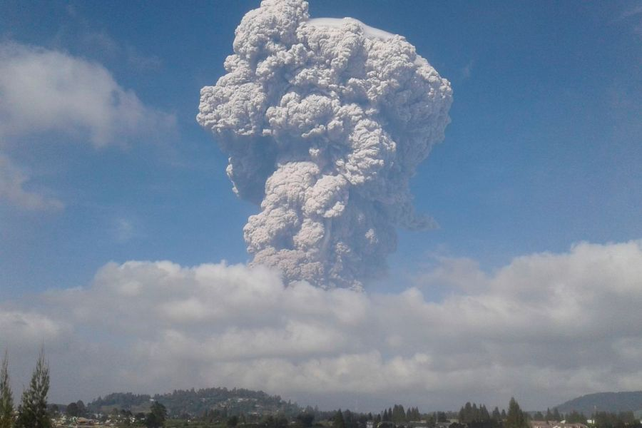pictures of volcanoes erupting » [HD Images] Wallpaper For Downloads ...