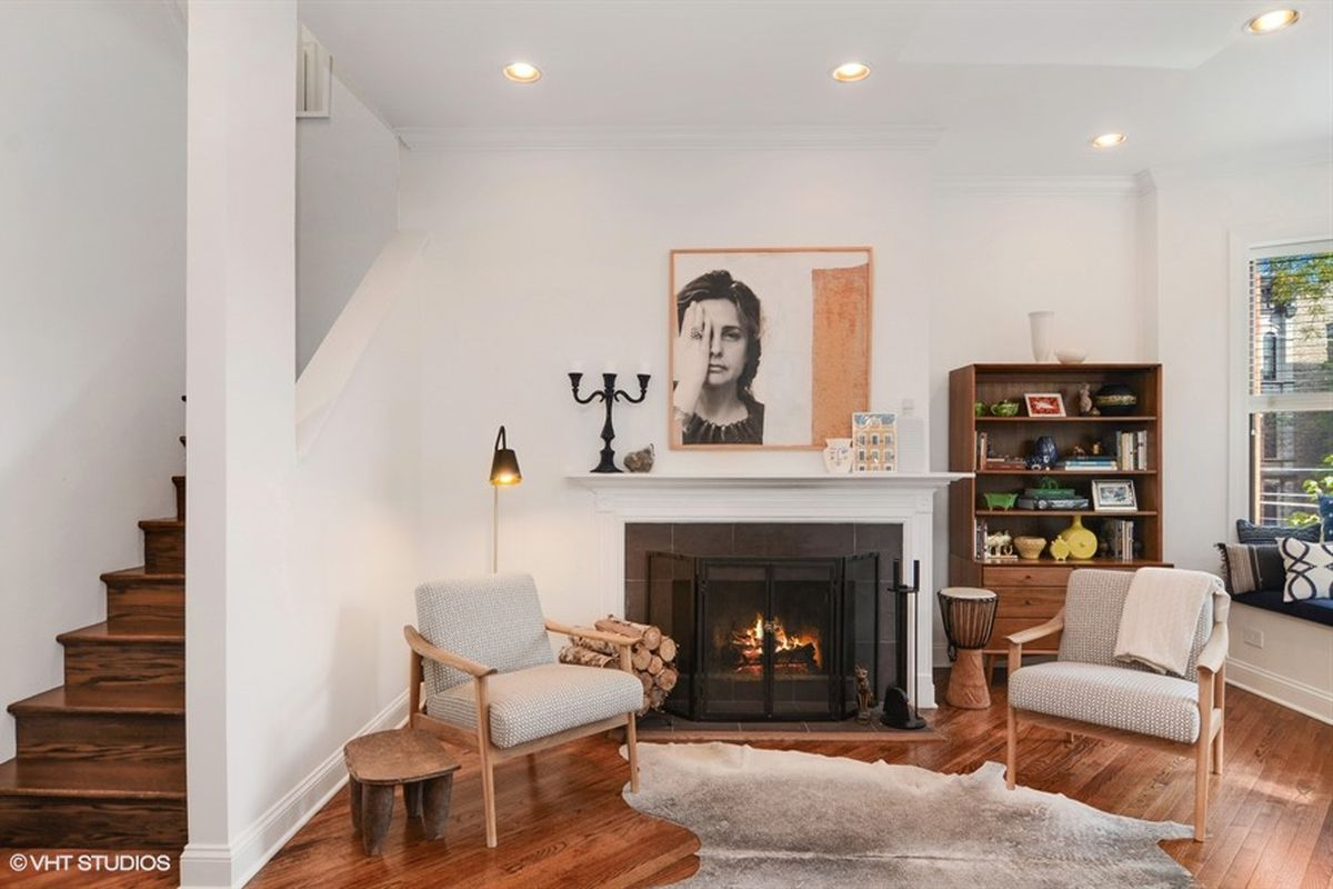 Need More Space This Lincoln Park Duplex Home Has It For 725K | Duplex Living Room With Stairs | Modern | Single Room | Duplex Step | Indoor | Balcony