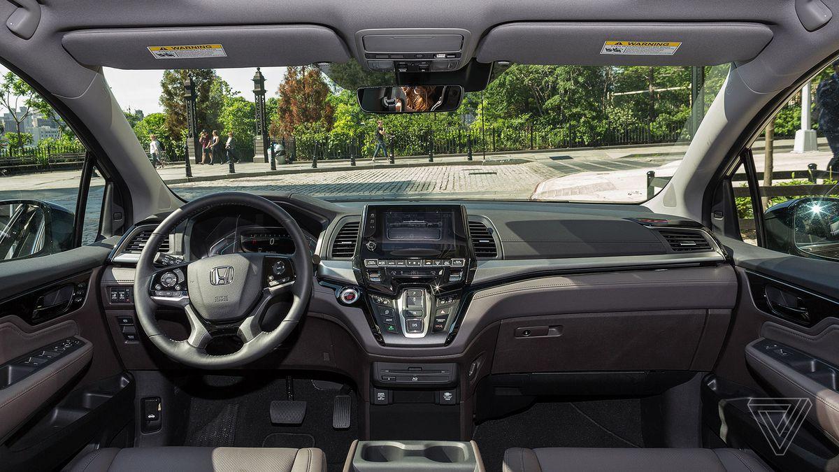 Honda Odyssey Touring Elite Review