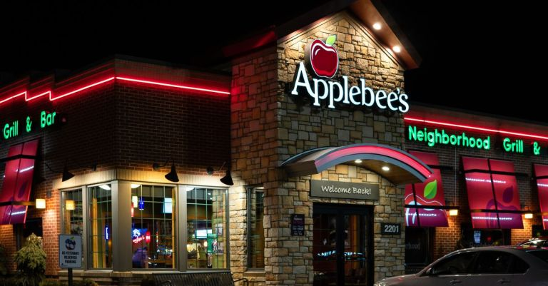 Walker Hayes' 'Fancy Like,' a Song About Applebee's, Is Everywhere Now