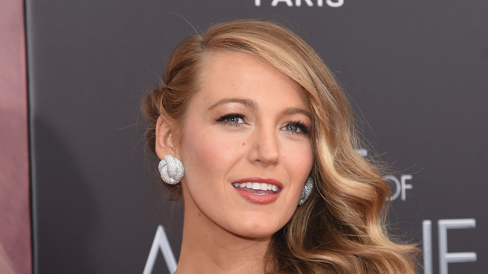 blake lively net worth - HD 1600×900