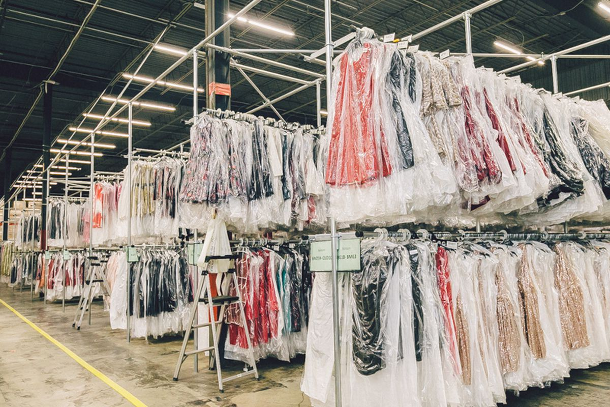 Rent The Runway S New Jersey Warehouse Store Has Closed