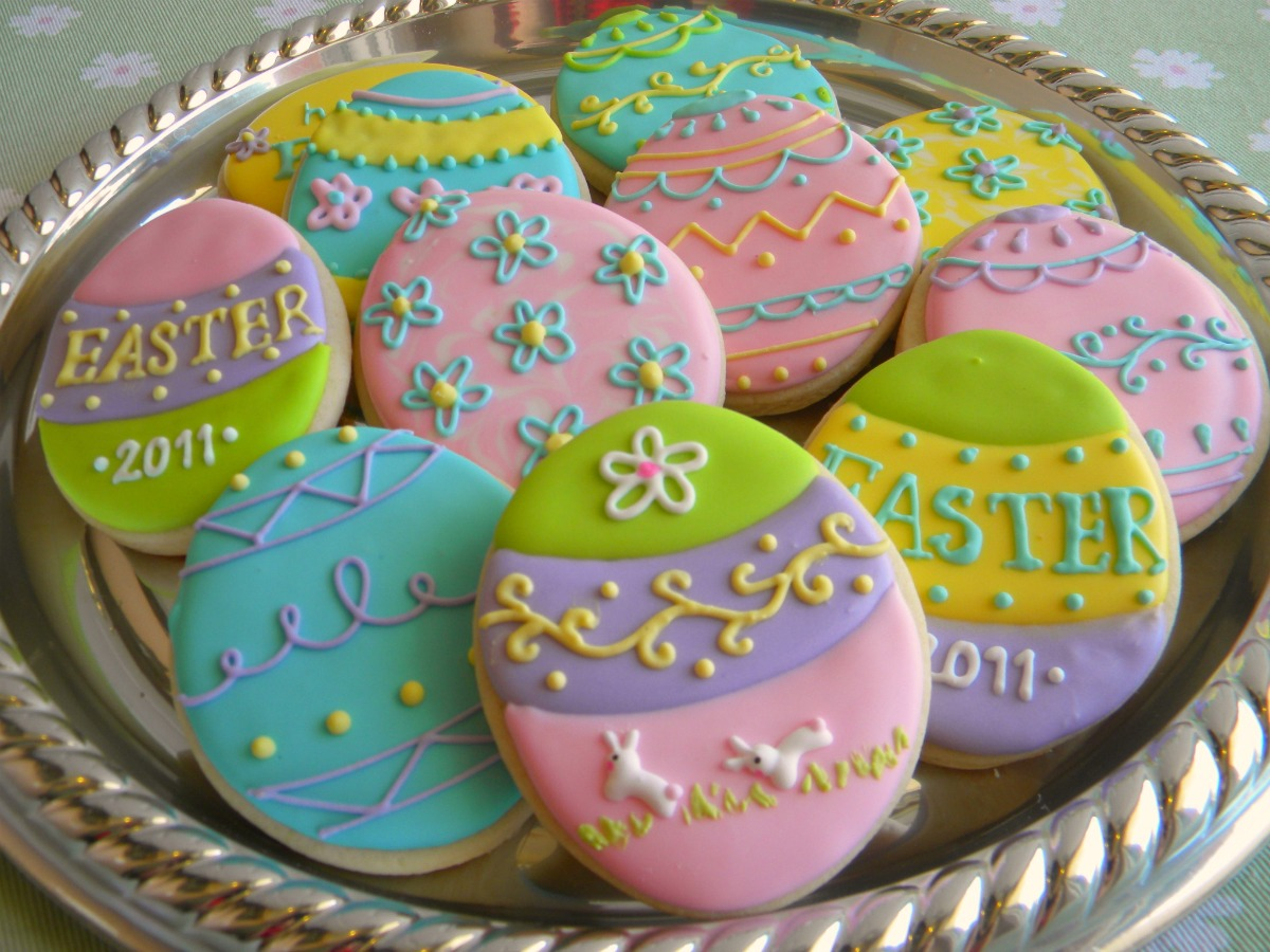 15 Adorable Easter Cookie Decorating Ideas 7  Piped icing cookies