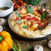 Pizza Nasıl Yapılır Pizza Hamuru Tarifi Bol Malzemeli Pizza (3)