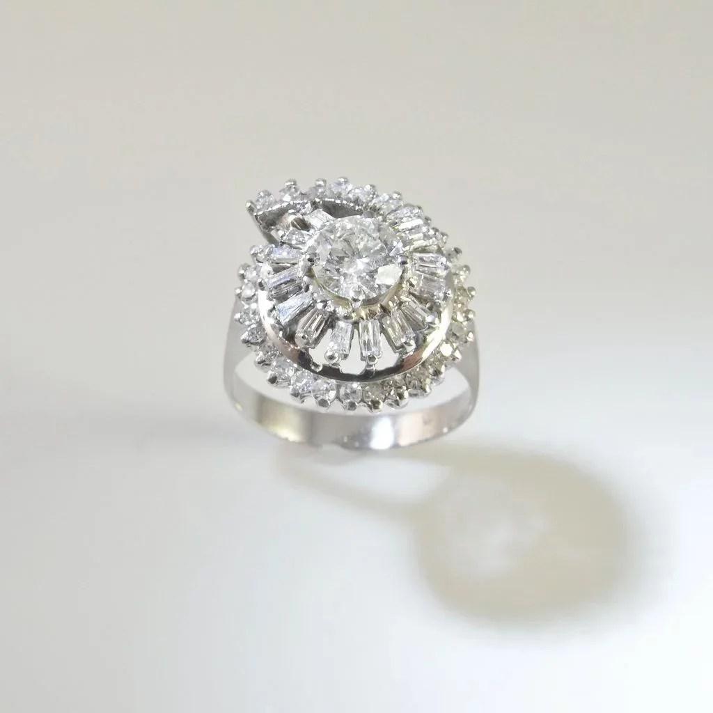 1940s Art Deco Diamond Ring 18k Gold Fine Diamond Engagement Ring The Genuine Article Jewelry