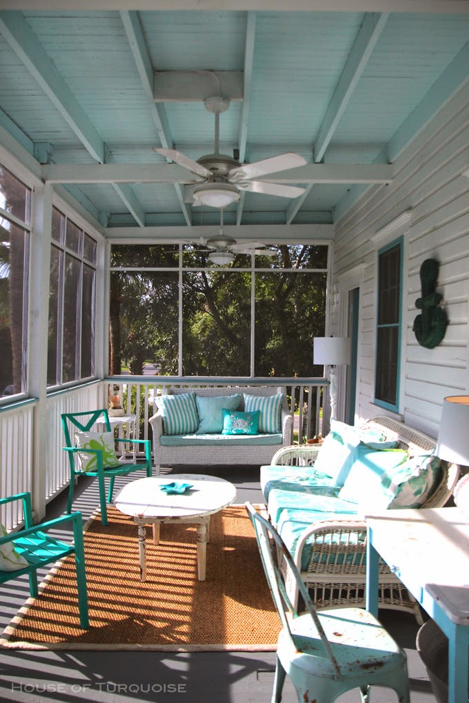 15 Things You Need On The Perfect Southern Front Porch