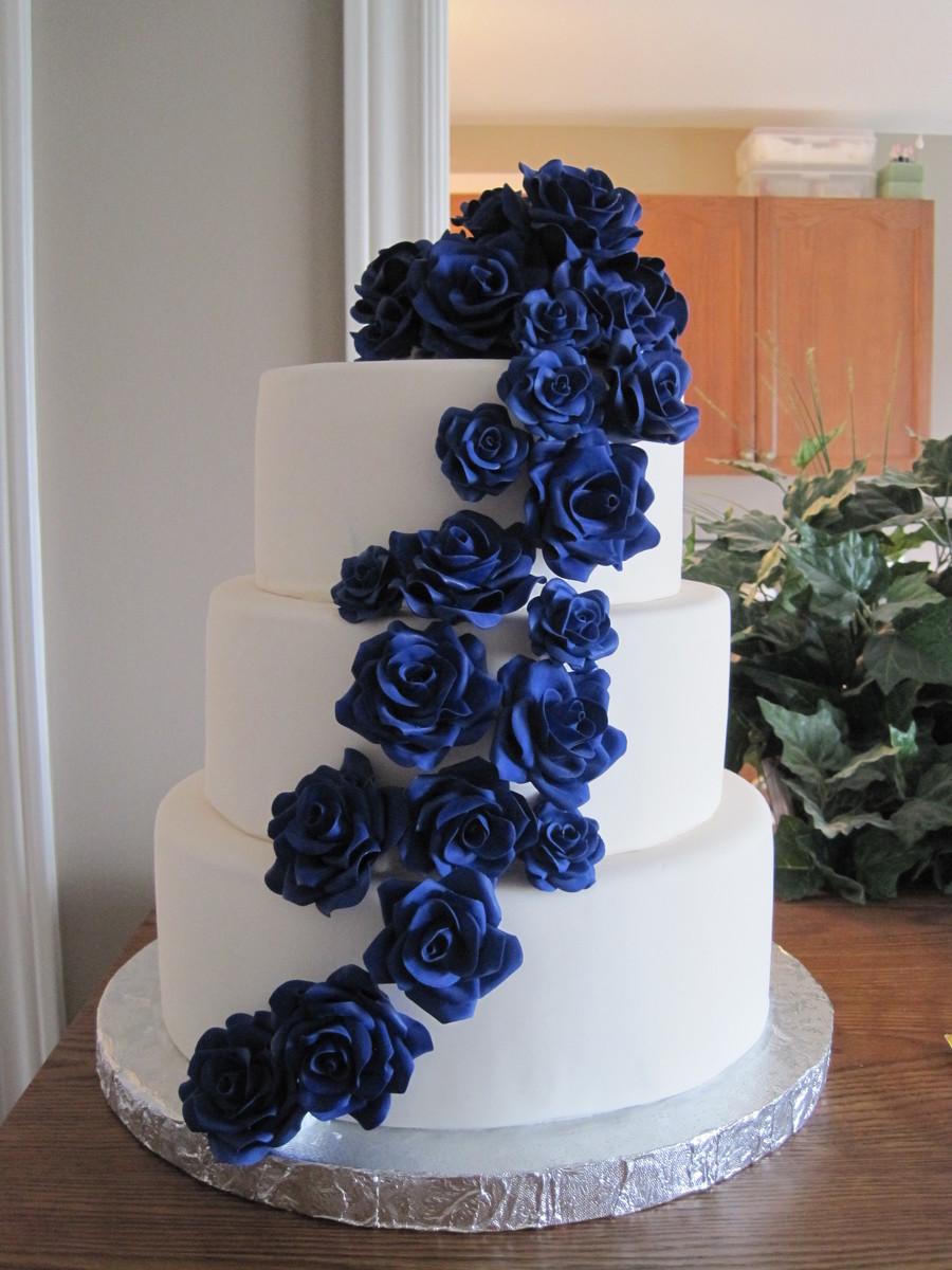 Cascading Sugar Roses Wedding Cake Cakecentral Com