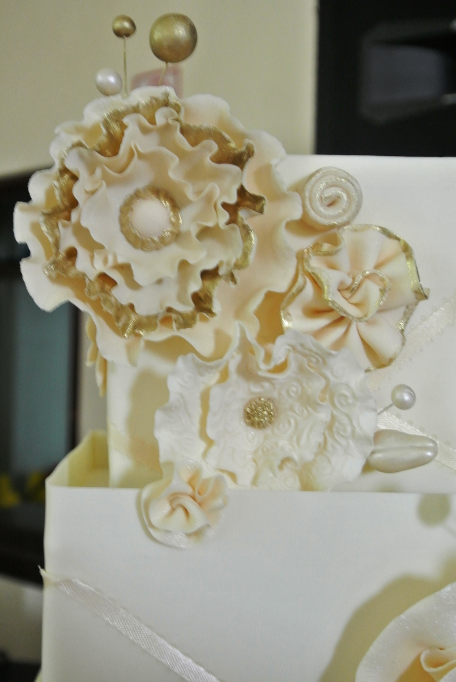 Wedding Cake With Gold Accents Cakecentral Com