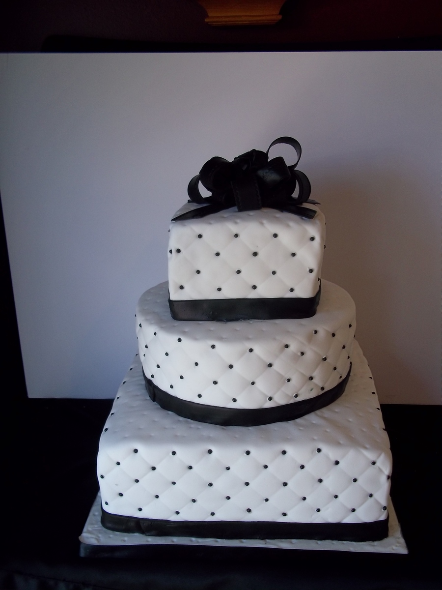 Black And White Beaded Wedding Cake   CakeCentral com Black And White Beaded Wedding Cake on Cake Central