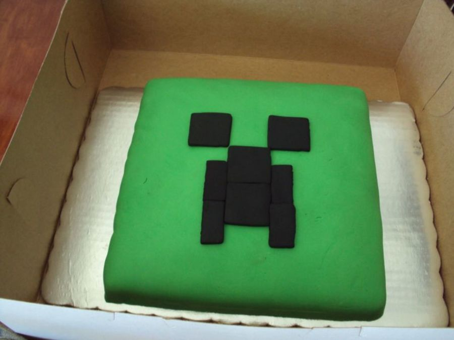 A Very Simple And Very Inexpensive Minecraft Creeper Cake