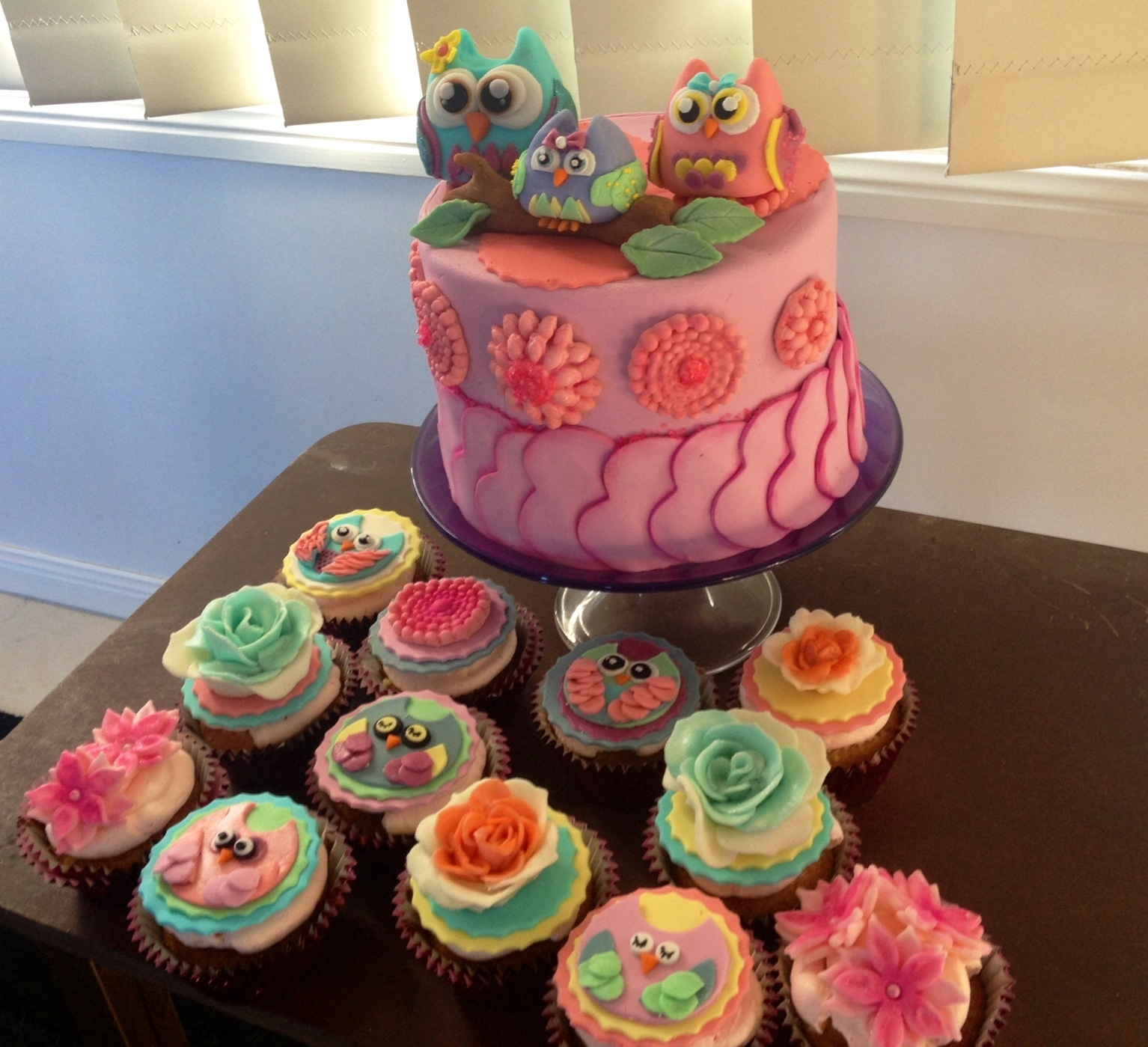 Owl Themed Baby Shower Cake And Cupcakes Cakecentral Com