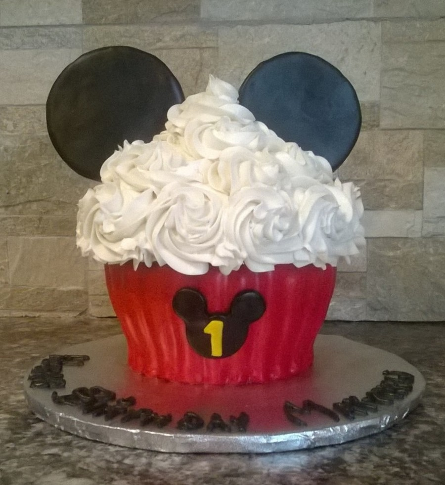 Mickey Mouse Giant Cupcake Cakecentral Com