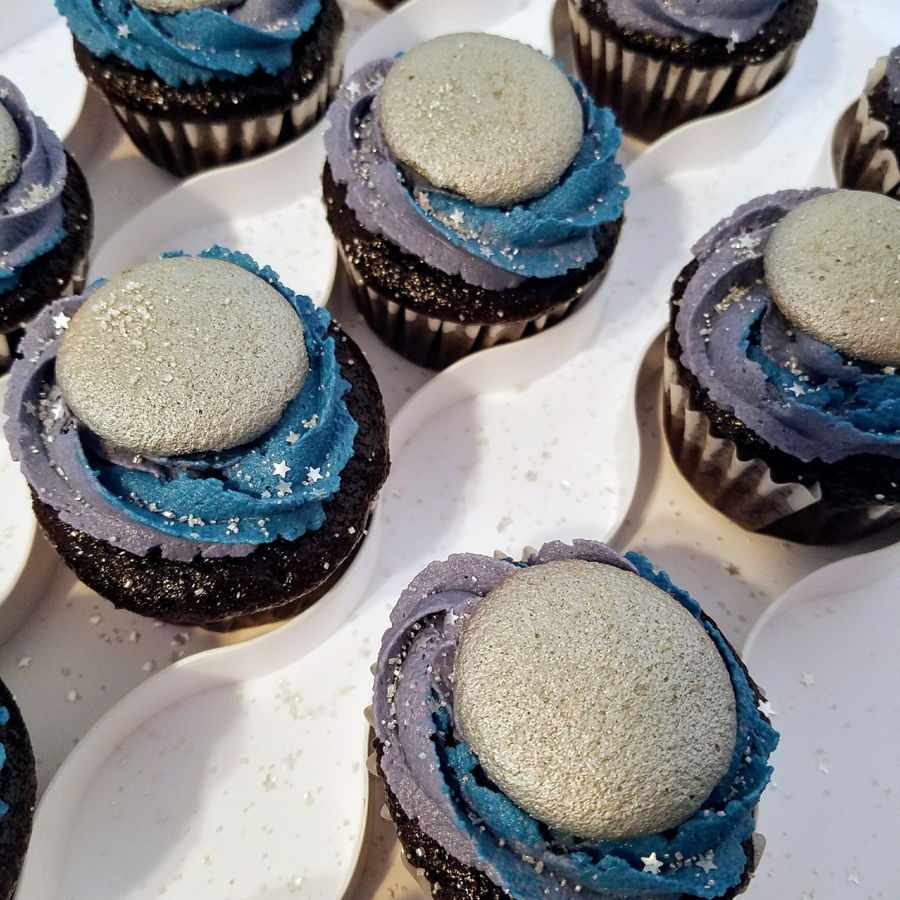 Full Moon Cupcakes Cakecentral Com