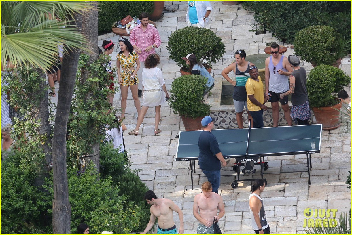 Katy Perry: Labor Day House Party with Shannon Woodward!: Photo 2942652 | E.L. James, Ellen Page ...
