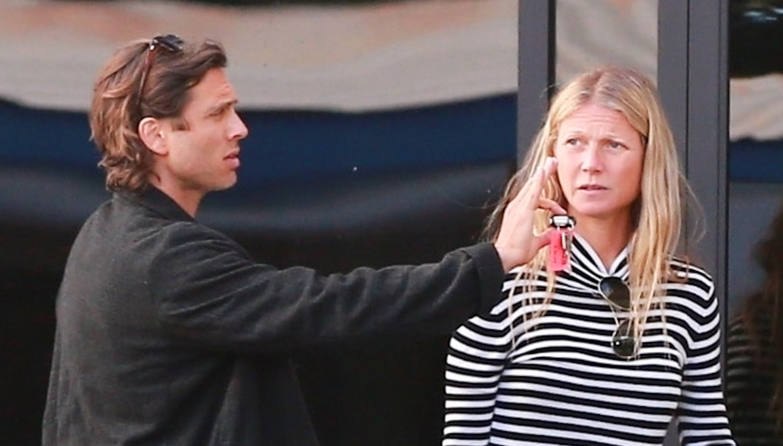 Gwyneth Paltrow & Husband Brad Falchuk Arrive Home On a ...