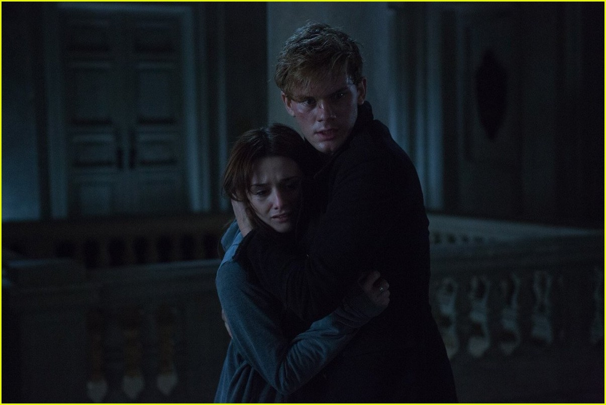What Ever Happened To The 'Fallen' Movie? | Photo 1076049 ...