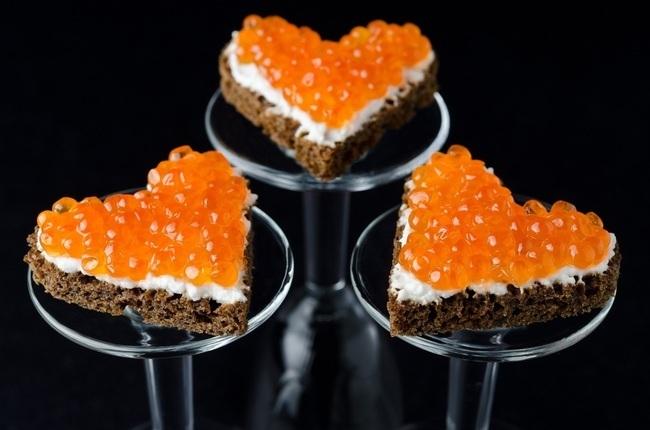 금속이 캐비어를 사용합니까? Tartlets에 대해 어떻게 생각하세요?