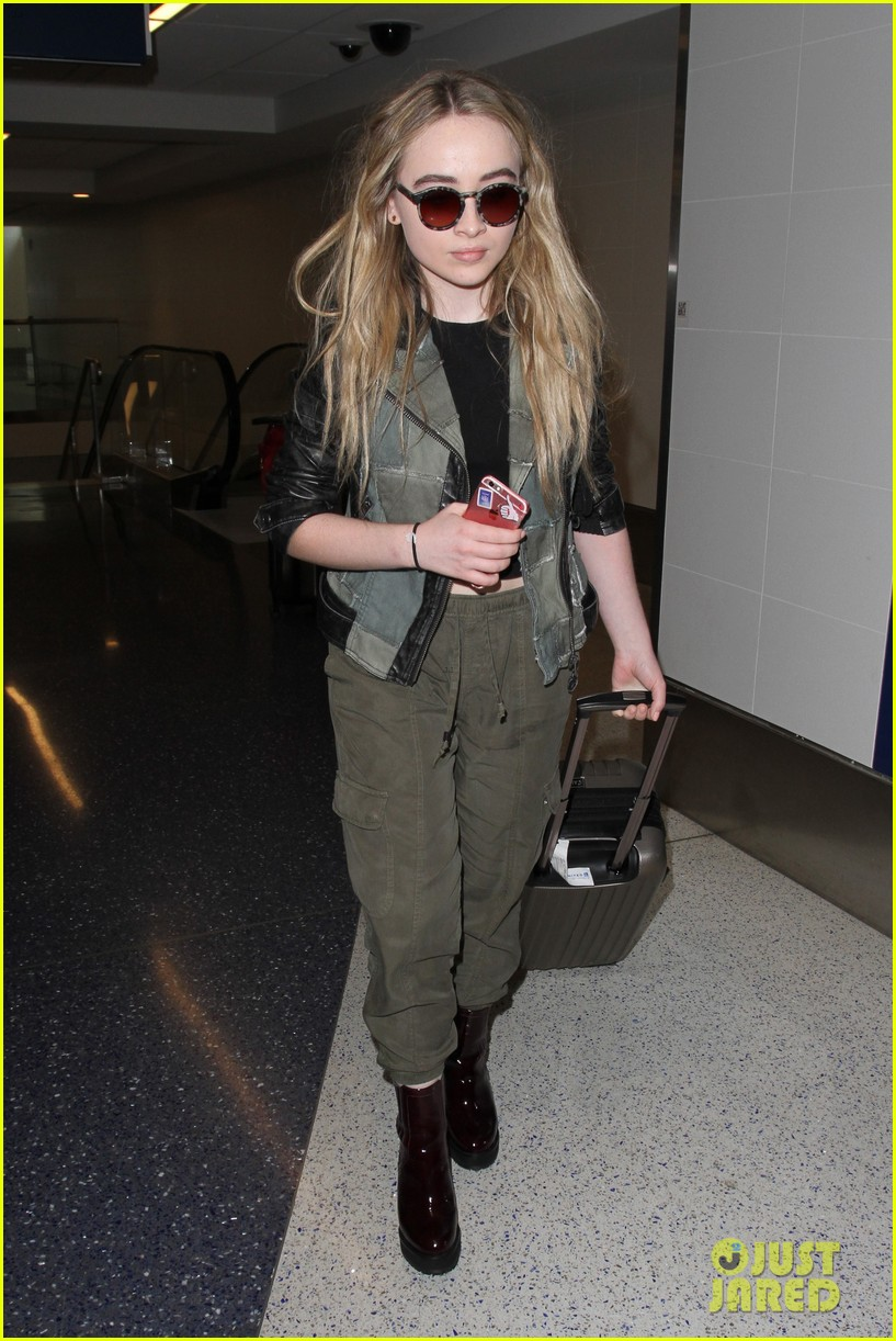 Sabrina Carpenter Yoga Pants 2016