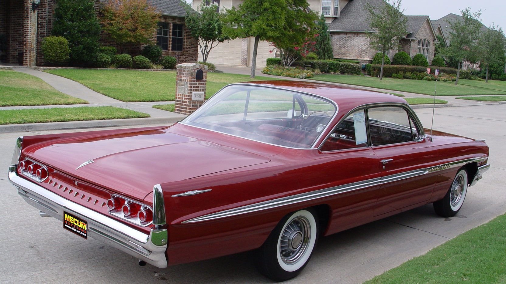 1961 Pontiac Bonneville Bubble Top   F223   Dallas 2011 Full Screen