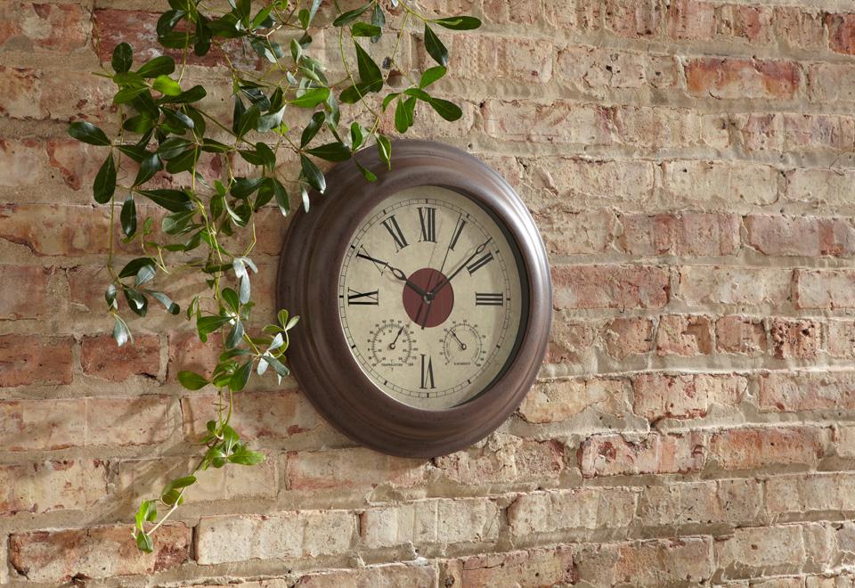 Solar Wall Clock