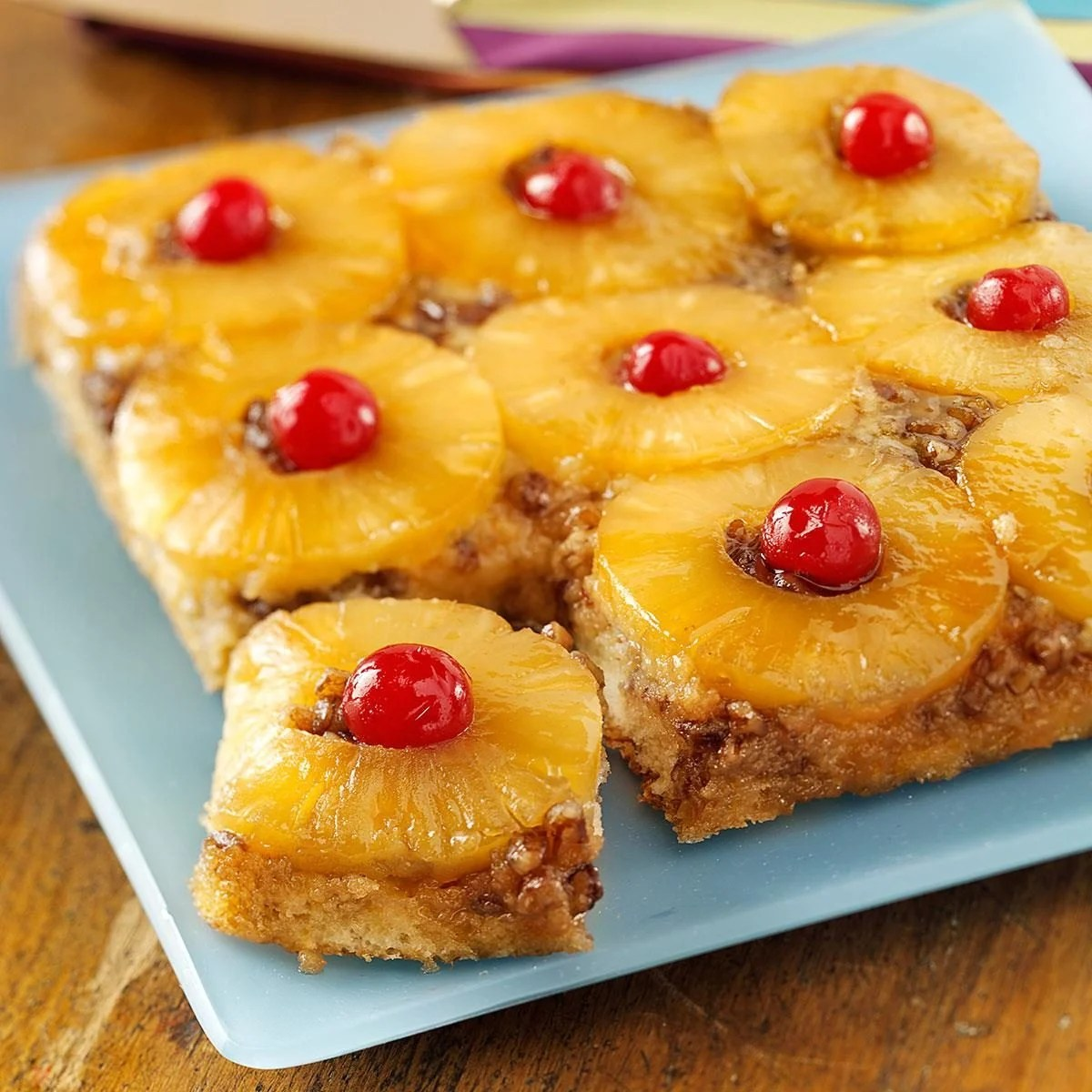 Topping Pineapple Upside Cake