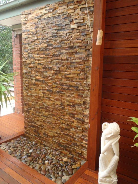 Water Feature Mounted Pond Wall