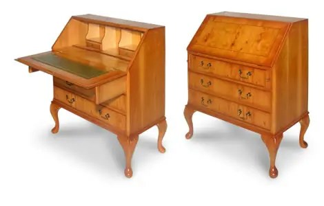 Queen Anne Classic Bureau Writing Desk   Chesterfields Direct Traditional Reproduction Bureau Writing Desk   Queen Anne Style