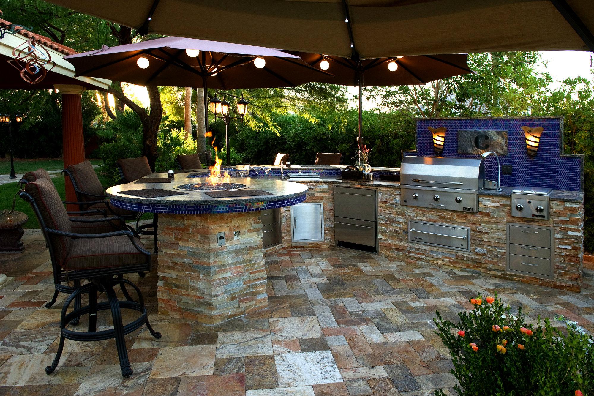 Backyard Living Spaces Ideas