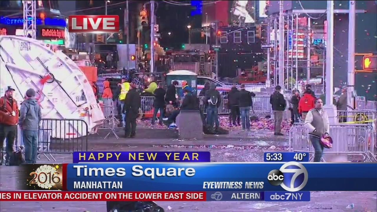 Estimated 1 million revelers packed Times Square amid tight security     Estimated 1 million revelers packed Times Square amid tight security on New  Year s Eve in New York City   abc7ny com