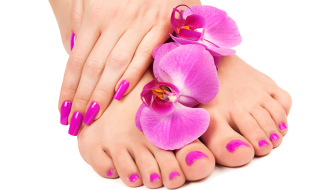 Is Manicure And Pedicure Safe When Pregnant? – The Ceilings