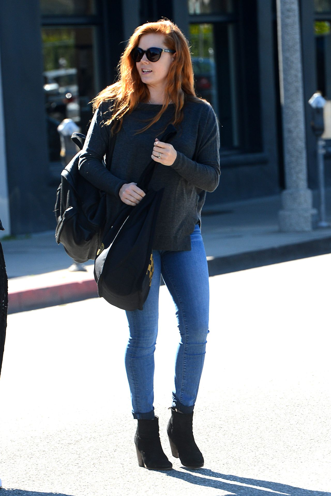 Amy Adams Casual Style Leaving A Salon In West Hollywood