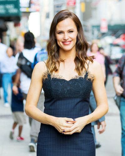 Jennifer Garner - Heading to The Late Show with Stephen ...