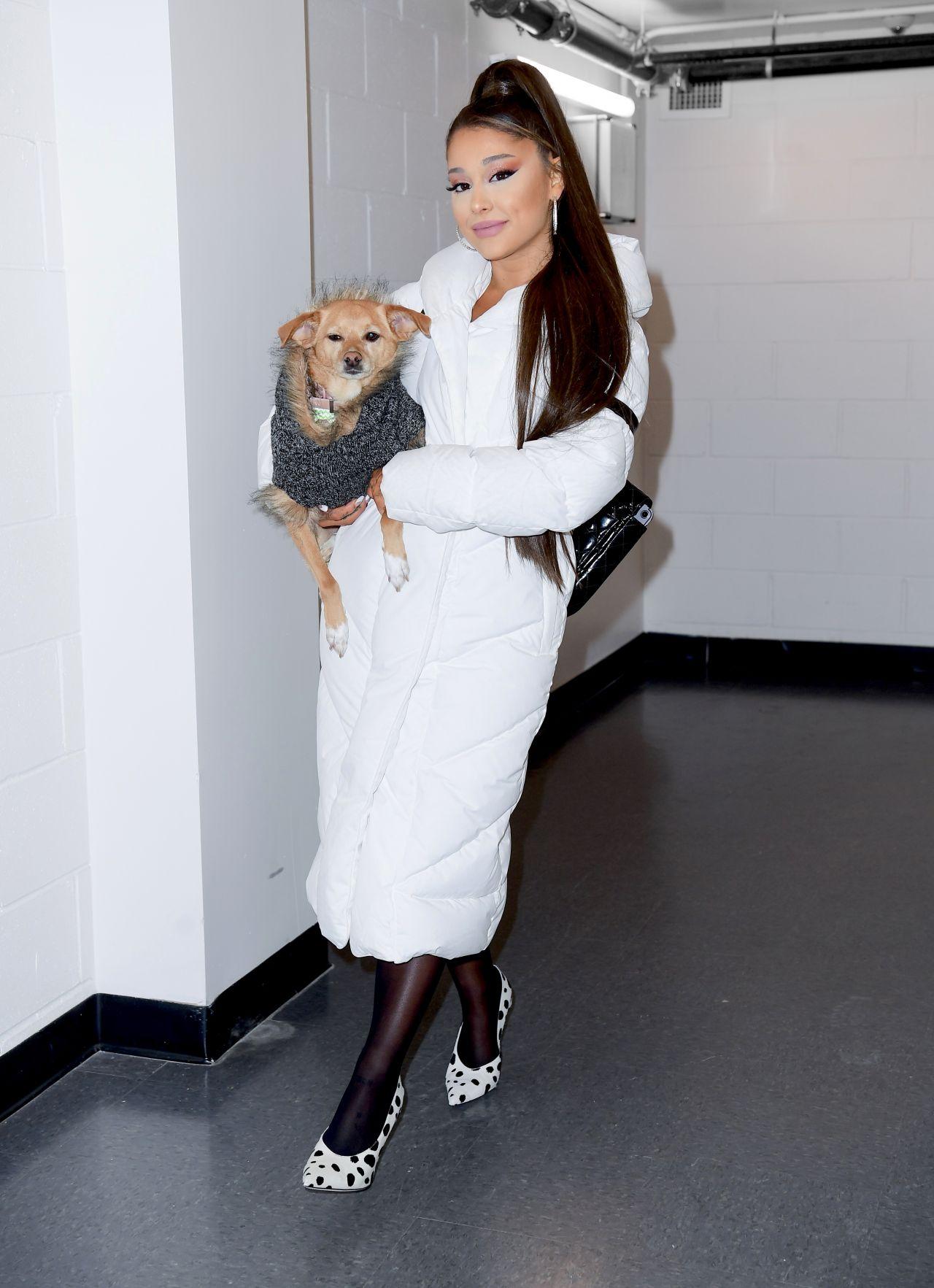Ariana Grande - Backstage at Her Sweetener World Tour ...