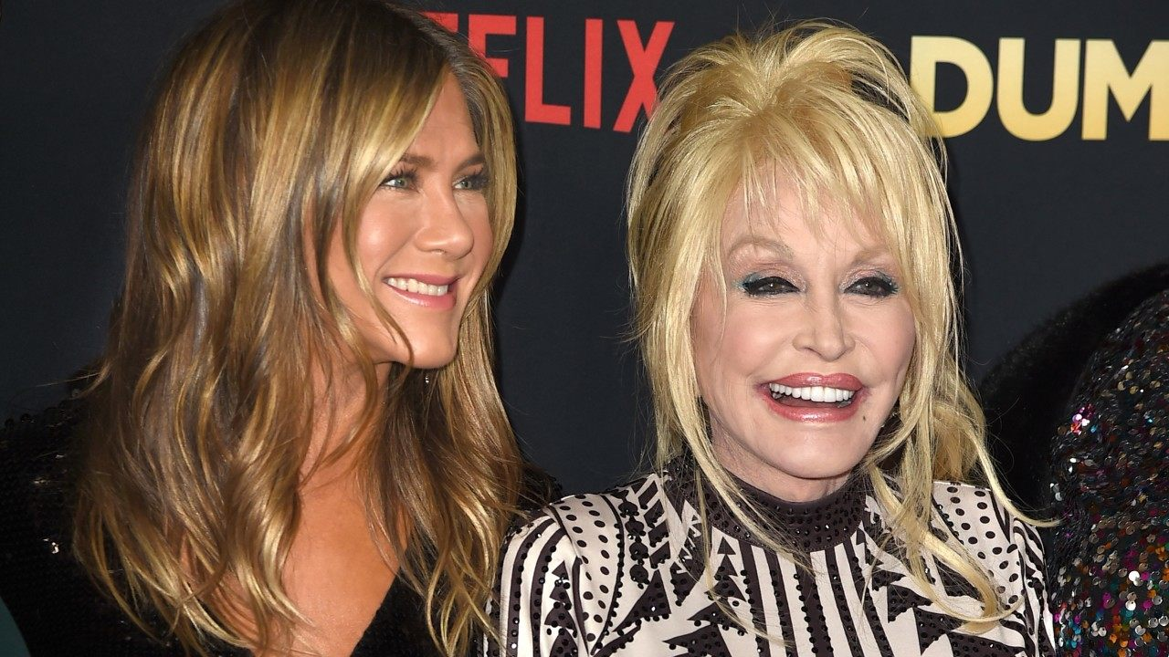 Dolly Parton Tells All About Jennifer Aniston S 50th
