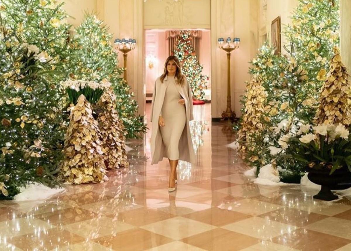 Melania Trump Unveils Gorgeous White House With Christmas ...