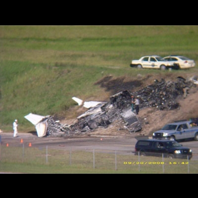 Travis Barker and DJ AM Plane Crash | This blog is thought ...