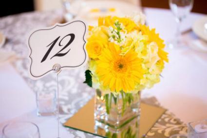 Three Diy Wedding Flower Centerpieces To Make Lovetoknow