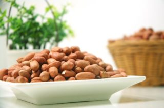 peanuts and healthy fats for imporving brain health