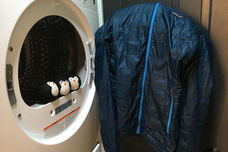 Πλύσιμο κάτω μπουφάν στο σπίτι